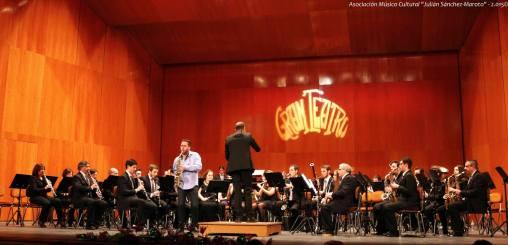 Fantasie (C. Smith) con la AMC Julían Sánchez Maroto de Manzanares (Ciudad Real), 27 Diciembre de 2015.jpg