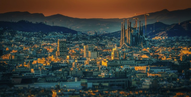 barcelona-3226639_1920